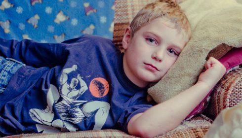 Psico Ayuda Infantil - Mi hijo dice que está enfermo para no ir a la escuela